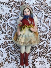 Hongarije | Klederdracht | Schitterend vintage popje met papier-maché hoofdje  en stoffen beentjes  '50s 'Chara'