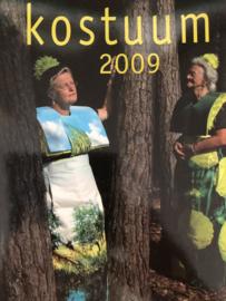 Kostuum | Jaarboek Kostuum 2009 - Nederlandse Kostuumvereniging - herenmode - Staphorster kant