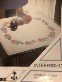 VERKOCHT | Borduren | Strijkpatronen | MEZ InterMEZZO: schaduwwerk met strijkpatroon Art. 06050208806 met borduurinstructies