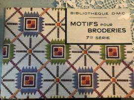 Boeken | Bibliothèque  DMC | MOTIFS pour BRODERIES 7me SÉRIE | 1950