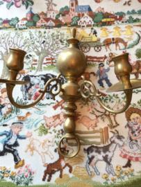Messing | Wandarmatuur - twee-armige antieke messing kaarsenhouder | ca. 1900