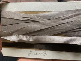 Biasband | Beige kaartje met zijdezachtband 1 cm | jaren '20