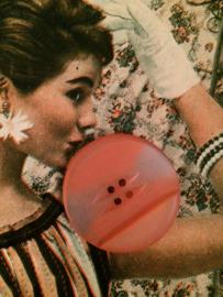 Knopen | Rood mix - 25 mm  met reliëf  vier gaatjes - lichter tintje | vintage jaren '50
