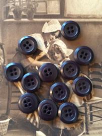 Knopen | Bruin | 12 mm Espolite donker bruine knoopjes twee gaatjes | zakje met 12 kleine plastic knoopjes |  jaren '50