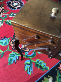 Vintage eikenhouten scharnieren naaidoos