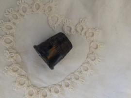 Antiek | bakelieten vingerhoedje | bruin gemarmerd Art-deco | 1920-1930