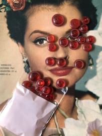 Knopen | Rood - 10 mm  Paris Selection rond met relief  randje 2 gaatjes | jaren '50