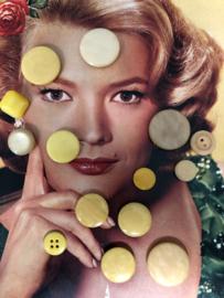 Knopen | Geel - 10-30 mm - zakje met 14 verschillende gele knopen | jaren '60 (069)