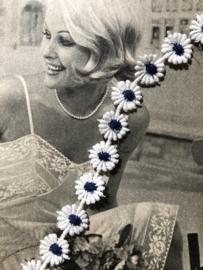 Band | Wit | Retro vintage band madeliefje met blauw hartje - jaren '60 (1 cm)