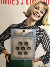 Knopen | Zwart 10 mm | Pecam - doosje met 7 stuks zwart/grijze knoopjes met oogje | vintage jaren '50