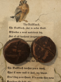KNOPEN | Bruin | 20 mm -  Twee stuk platte vintage lederen/leren knoop (leerknoop) met metalen oogje, 100%  leer.