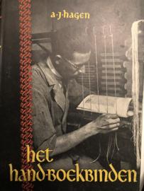Het hand-boekbinden: geschiedenis en techniek van de boekband | A.J. Hagen | ca. 1940-1945