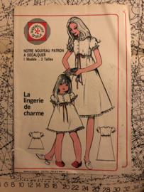 1955 | Naaipatronen | Nachtmode moeder en dochter 'La Lingerie de charme' | Echo de La Mode no. 51