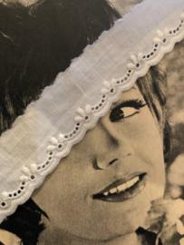 Band | Wit broderie lakenband met bloemmotief 2.5 cm