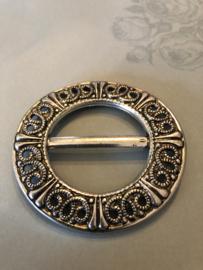 Gespen | Rond | Zilver | Metalen ronde gesp met patroon - 60s-70s - streekdracht Friesland
