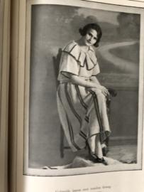 1920 | Boeken | Handwerken | Beyer's Handwerkboeken Serie H N° 63 - Nieuwe Gehaakte en gebreide kleeding - Otto Beyer met 34 afbeeldingen en een bijvoegsel met knippatronen
