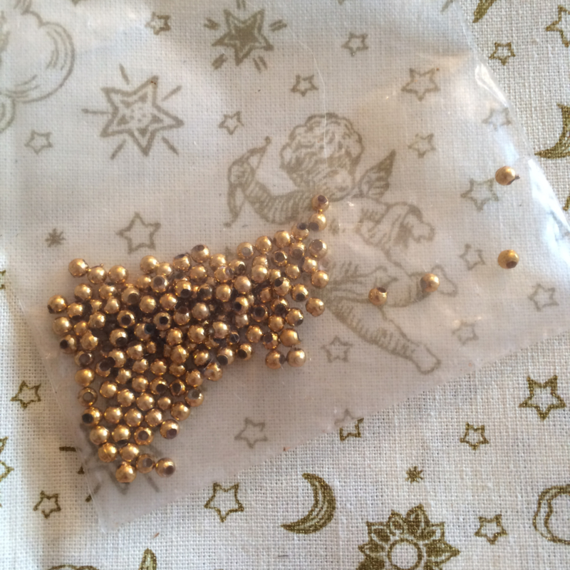 Gouden kraaltjes balletje 2 mm   zakje
