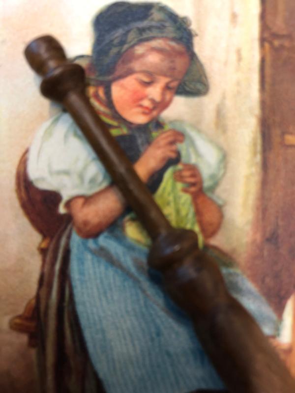 Mahoniehout kantklosje zonder kraaltjes   1870-1900