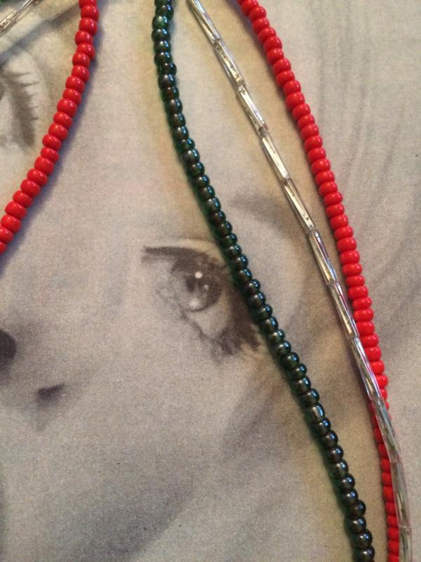 Kralenketting | Halsketting groen & wit  - lengte 17 cm. | jaren '80 - Vintage