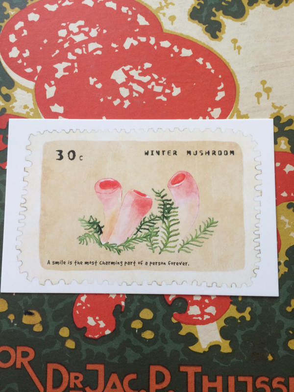 "Briefkaart | ""Winter Mushroom"" - ""A smile is the most charming part of a person forever"""