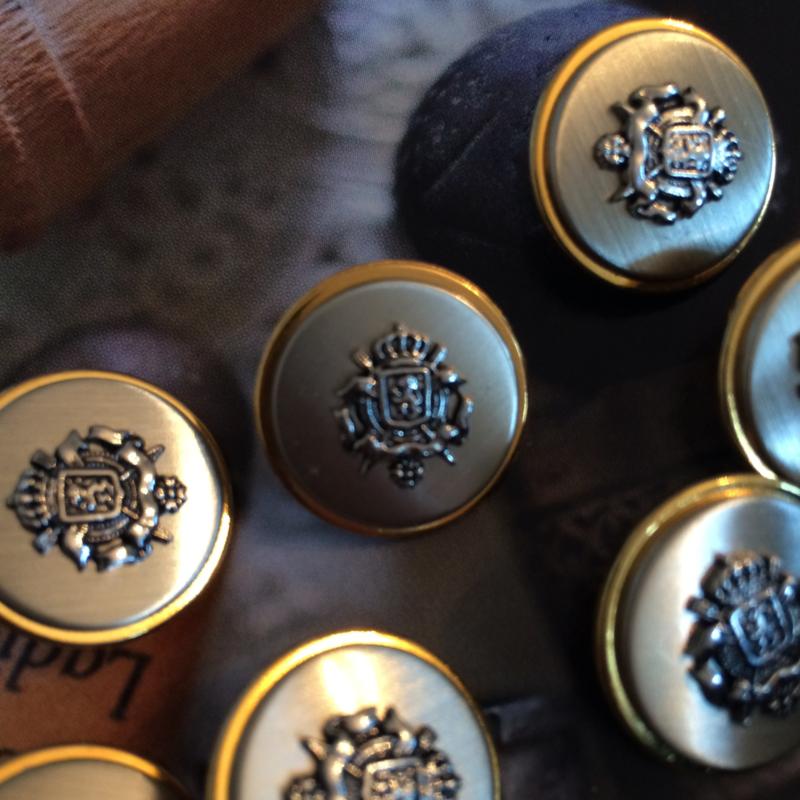 Goud & Zilver | 7 stuks metalen knoop met wapen Leeuw |  20 mm |  jaren '50