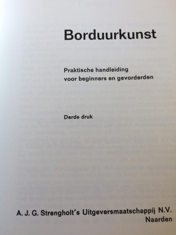 1966 | Boeken |  Borduren | Borduurkunst | Celine Dreesmann (V&D) - 3e druk (softcover)