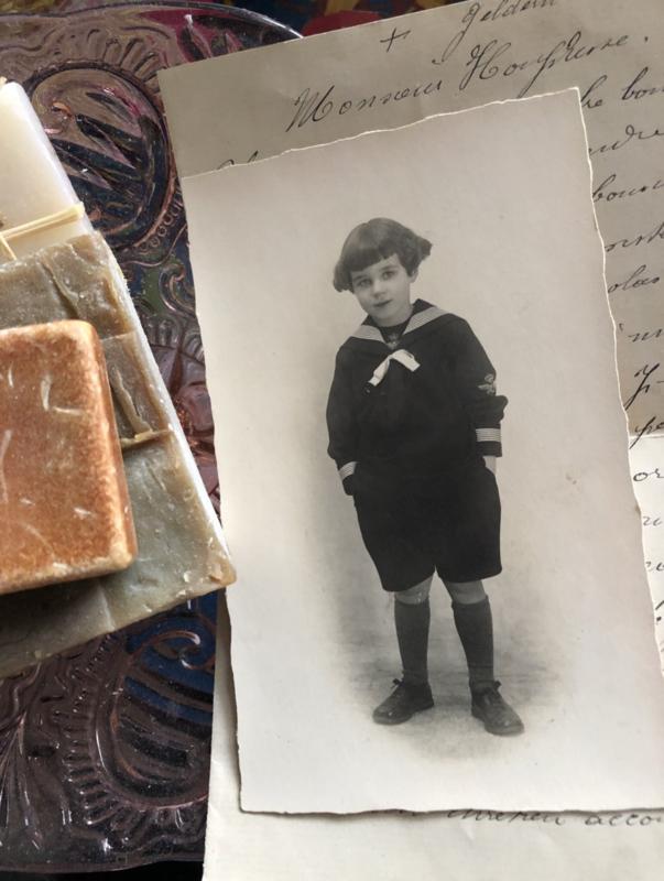 Foto's | Jongens | Foto briefkaart lief klein ventje in matrozenpakje