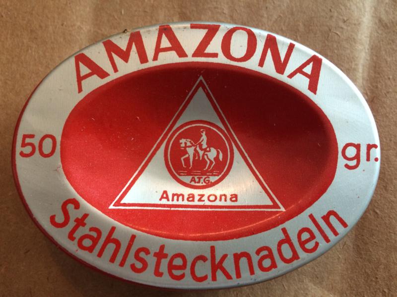 Prachtige vintage Amazona speldenblikje uit Iselohn | Stahlstecknadeln | jaren '30-'40