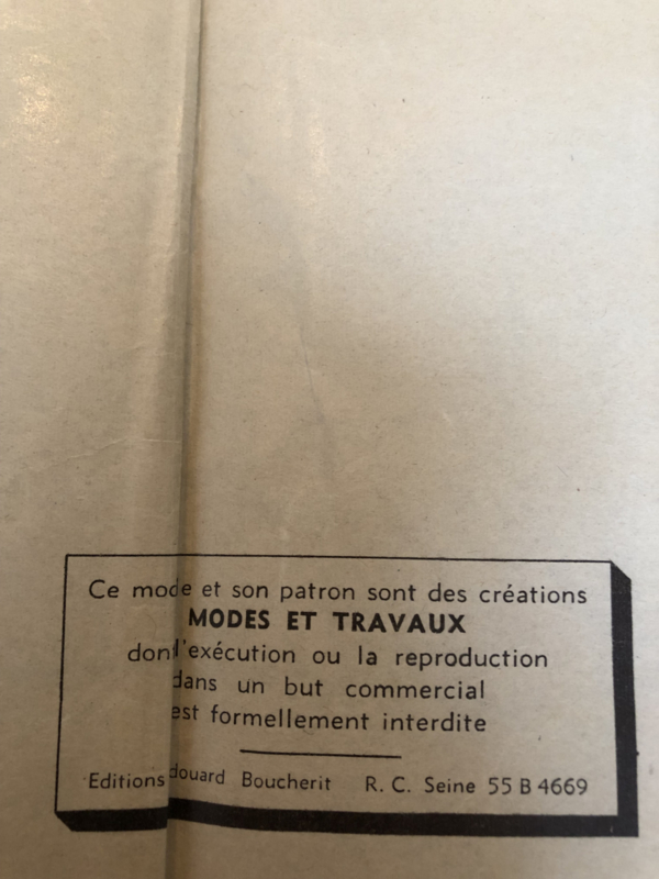 1960 | Naaipatroon - jurk: Robe en Lainage Patron du Mois - no. 4511 Mars 1960 Mode et Travaux MET GRATIS Tubino klosje garen