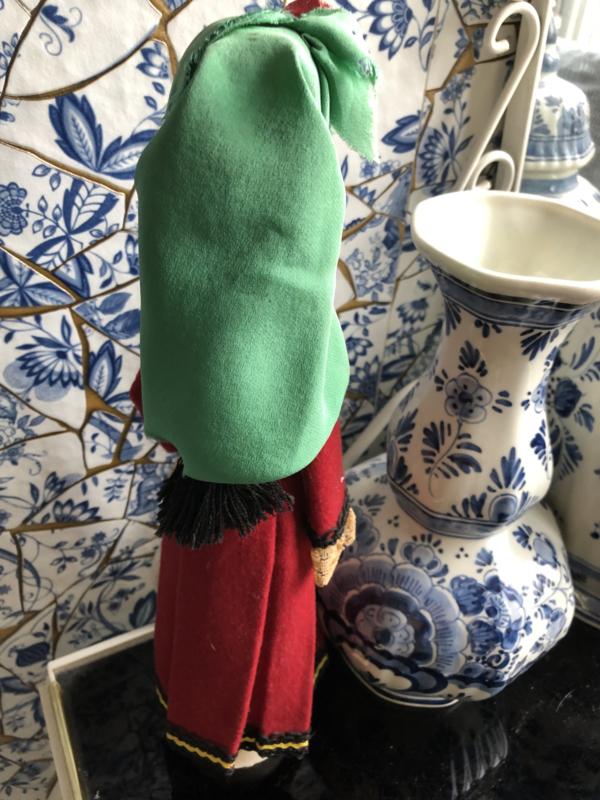 Rusland | Poppen | Houten klederdrachtpop - handwerk