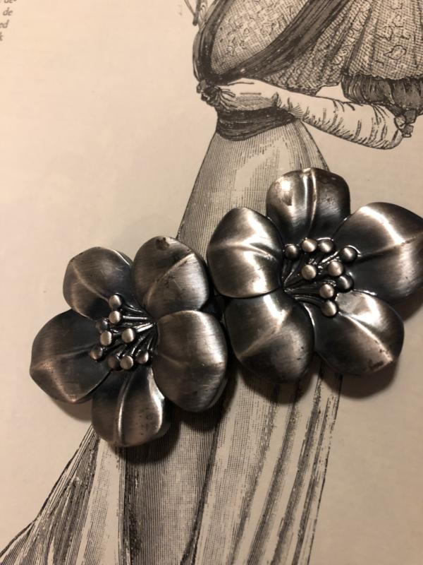Gespen | Ovaal | Kunststof mantelhaak - bloemen vintage