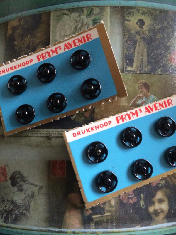 Zwart | Pryms AVENIR | Kaartje met 6 drukknoopjes 5 mm | vintage jaren '50