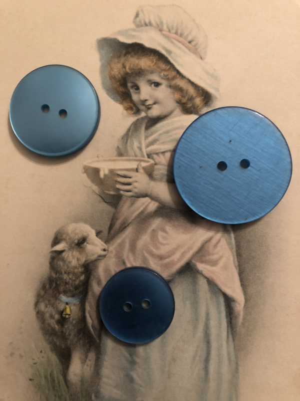 Knopen | Blauw - 25 mm, 20 mm, 10 mm 3 st. platte knopen | jaren '50