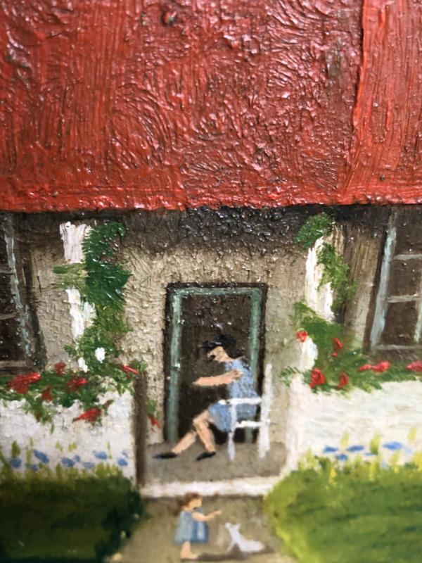 Schilderijen | 'Huisje, boompje, beestje' | Schilderijtje uit de jaren '30 met afbeelding van een huisje met moeder, kind en hondje  tussen naaldbomen - olieverf