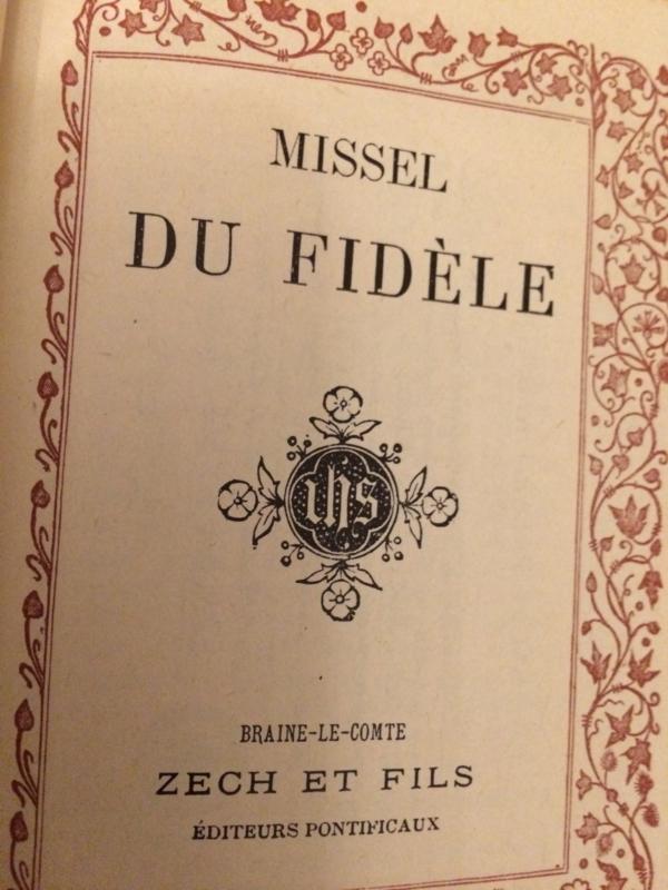 1923   Prachtig Lederen missaal van de gelovigen - goud op snee (in  blauw kartonnen doosje)   Missel du Fidèle met serie devotie plaatjes - ZECH & Fils