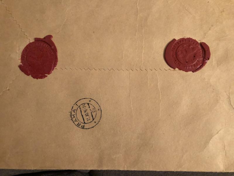1924 | Praha | Oude bruine papieren enveloppe met lakzegels en stempels