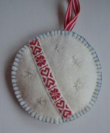 Wit - rood hartje     Prijs per meter