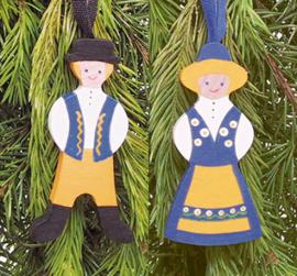 Set houten popjes in Zweedse klederdracht