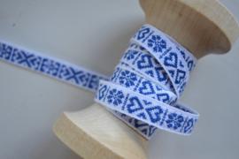Wit- blauw hartje.    Prijs per meter
