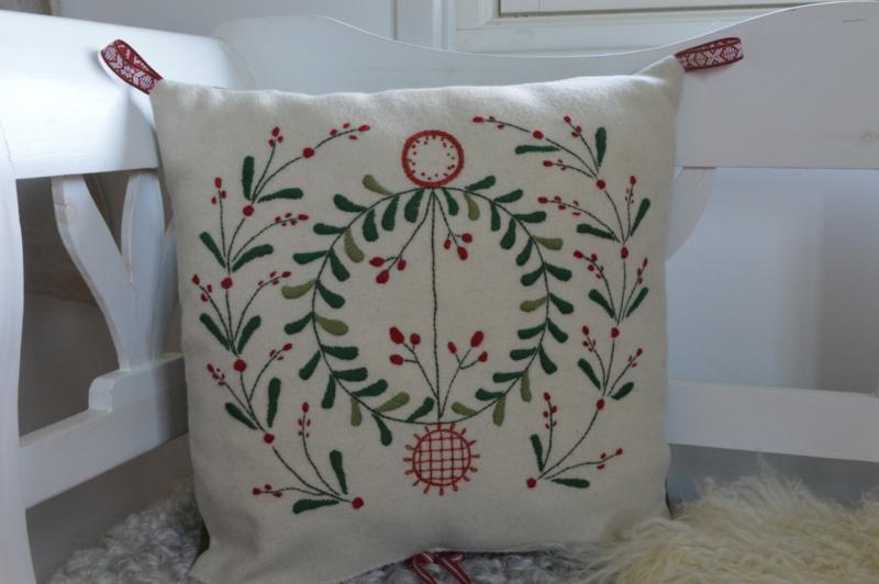 Julkudde med lingon (Kerstkussen met lingonbesjes)