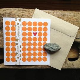Anneko Design - Wenskaart met zaailint - Rondjes oranje met 1 hartje