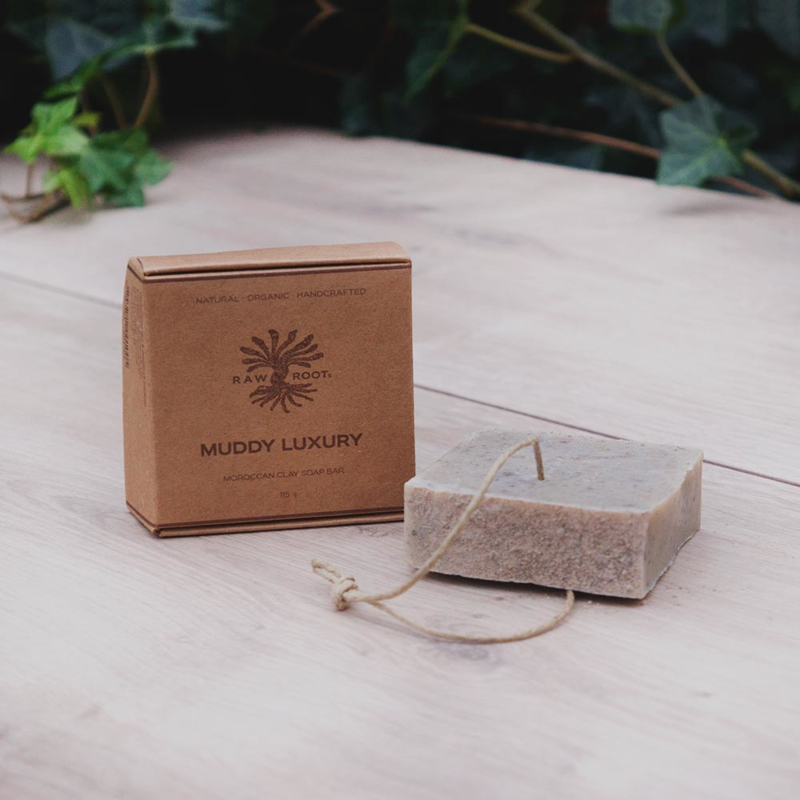 RAW ROOTs - Muddy Luxury Soap Bar - Handgemaakte zeep met Rhassoul klei voor haar en lichaam. Geschikt voor dreadlocks - 115 gr
