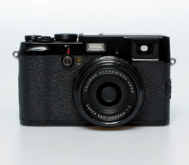 Fujifilm X - X100 + f2.0 - 23mm Limited edition