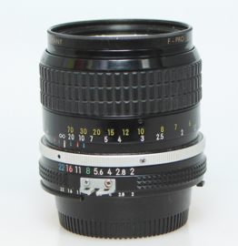 Nikon AI f2.0 - 85mm