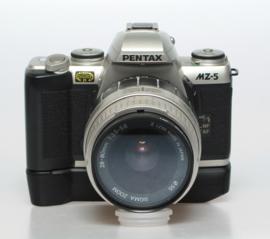 Pentax MZ-5 + 28~80mm f3.5~5.6