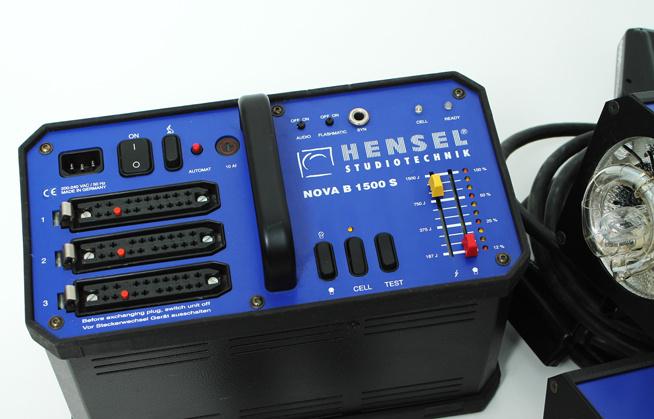 Hensel flitsset (generator + 2x flitskop)