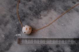 24-karaats vergulde ketting en een hanger van porselein