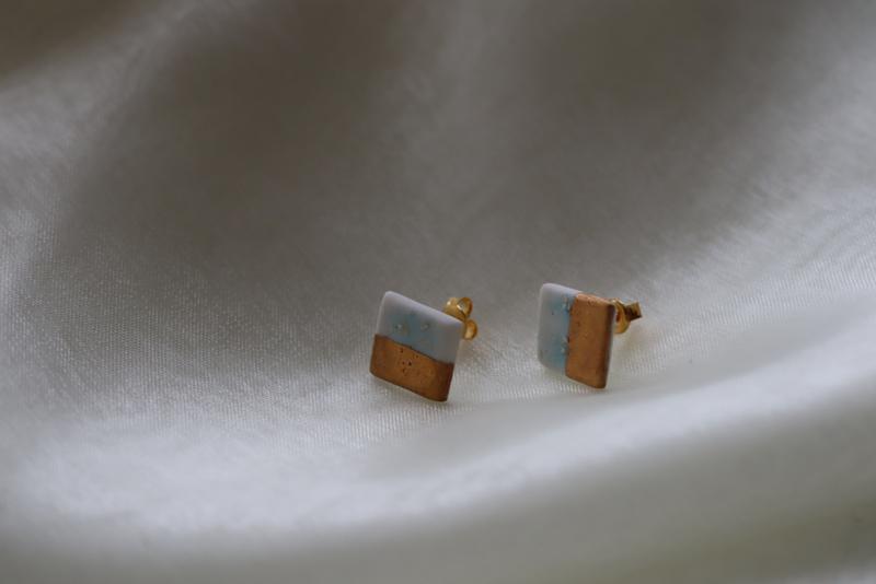 Porseleinen oorknopjes met 24 karaats gouden luster