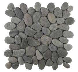 Riverstone pebble kiezelvloer bali zwart