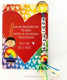 MOOI MENS gelukspoppetje sleutelhanger met regenboog kaartje